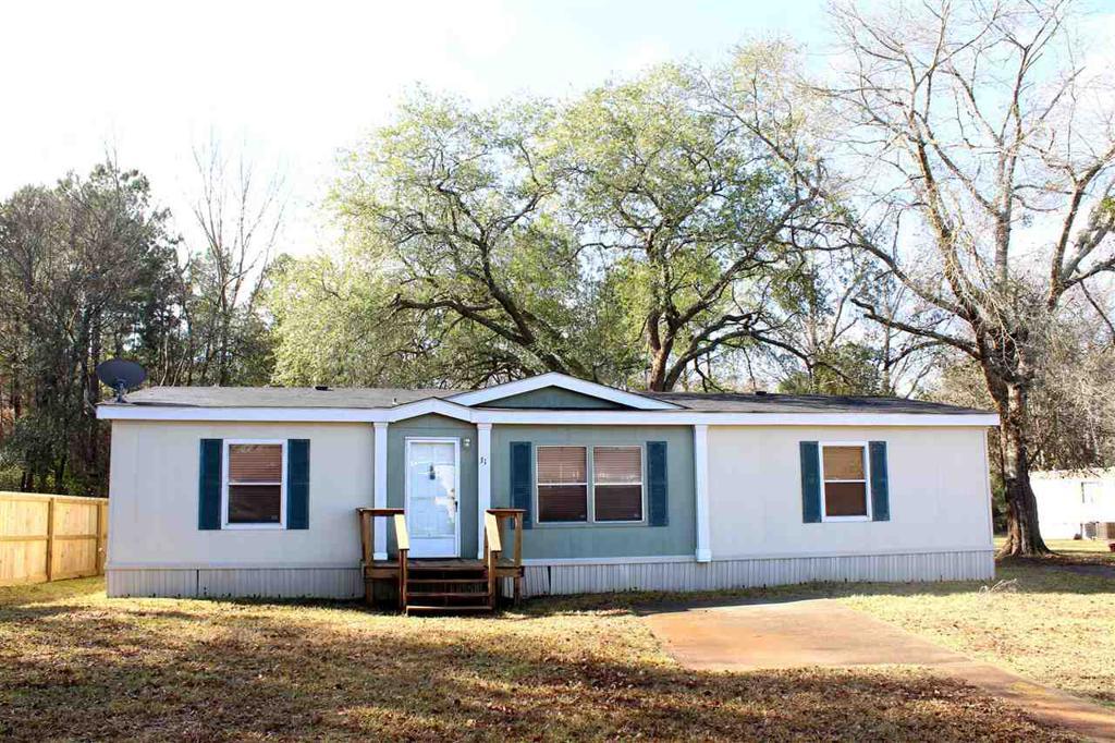 Photo of home for sale at 5101 Estes Pkwy, Longview TX