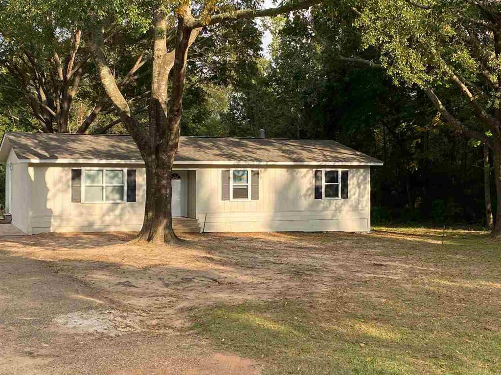 Photo of home for sale at 2778 FM 3384, Pittsburg TX