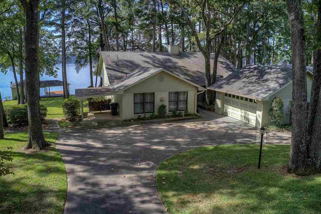 Photo of home for sale at 700 Whispering Pine Trl, Mt. Vernon TX