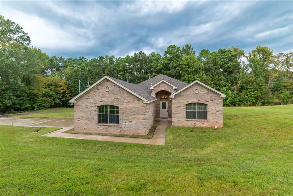 Photo of home for sale at 409 Fisher, Marshall TX