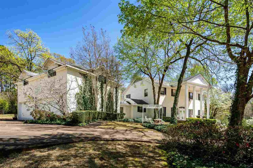 Photo of home for sale at 3000 Houston Street, Kilgore TX