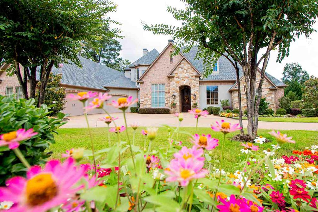Photo of home for sale at 4002 Waterview, Longview TX