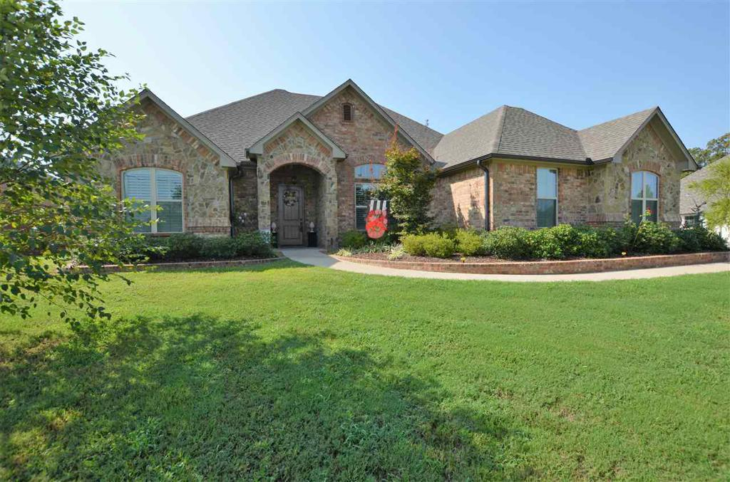 Photo of home for sale at 11901 CR 166, Tyler TX