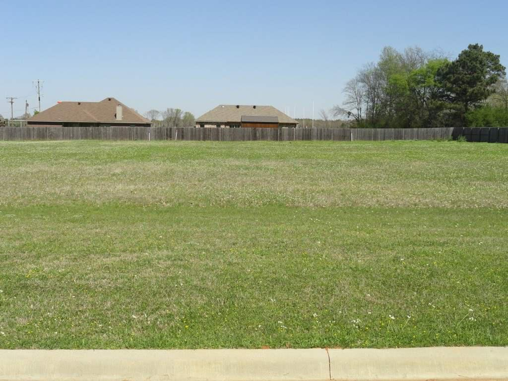 Photo of home for sale at 4513 Windsor Park, Kilgore TX
