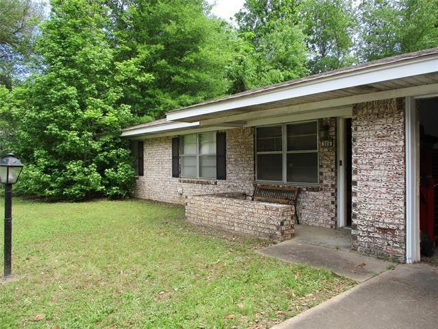Photo of home for sale at 308 Ames, Gladewater TX