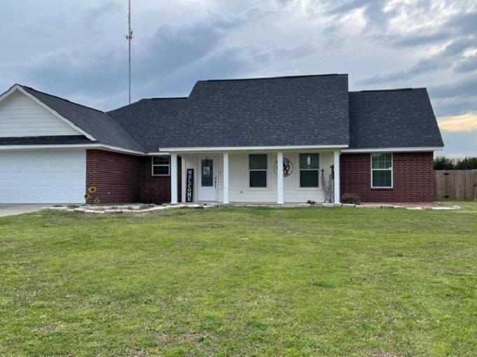 Photo of home for sale at 26 Hunnington, New Boston TX