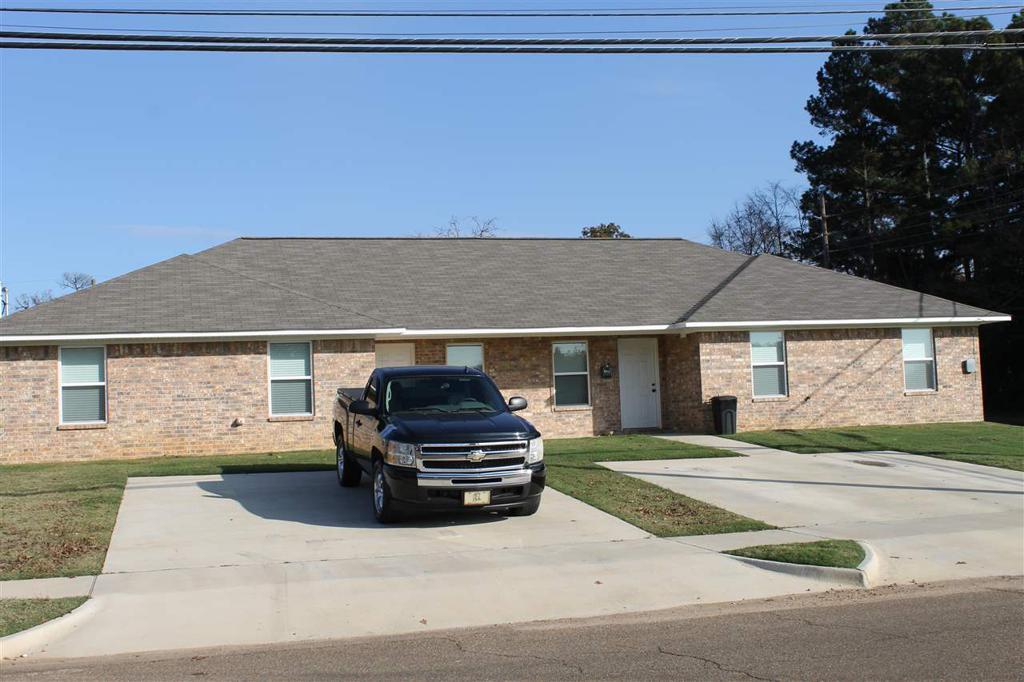 Photo of home for sale at 1220-1222 FERGUSON, Texarkana AR