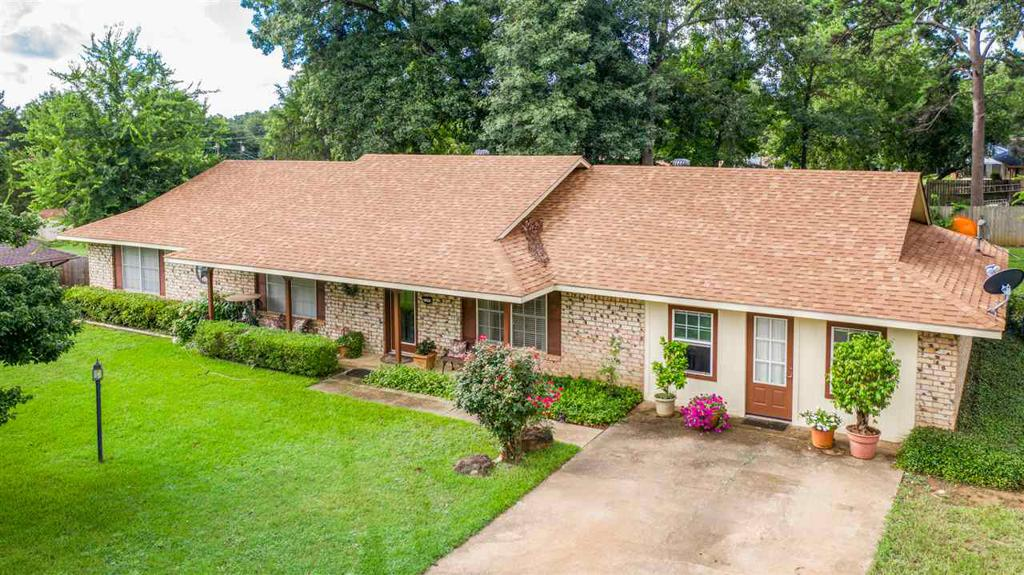 Photo of home for sale at 2205 WOODBINE, Gladewater TX