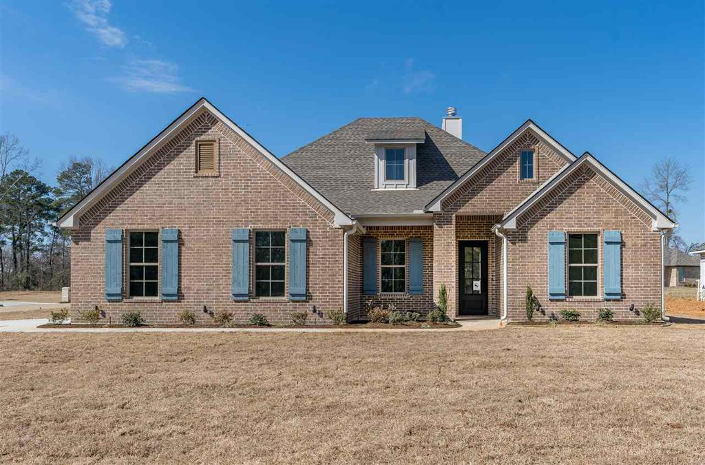 Photo of home for sale at 107 Saddle Brook Circle, Hallsville TX