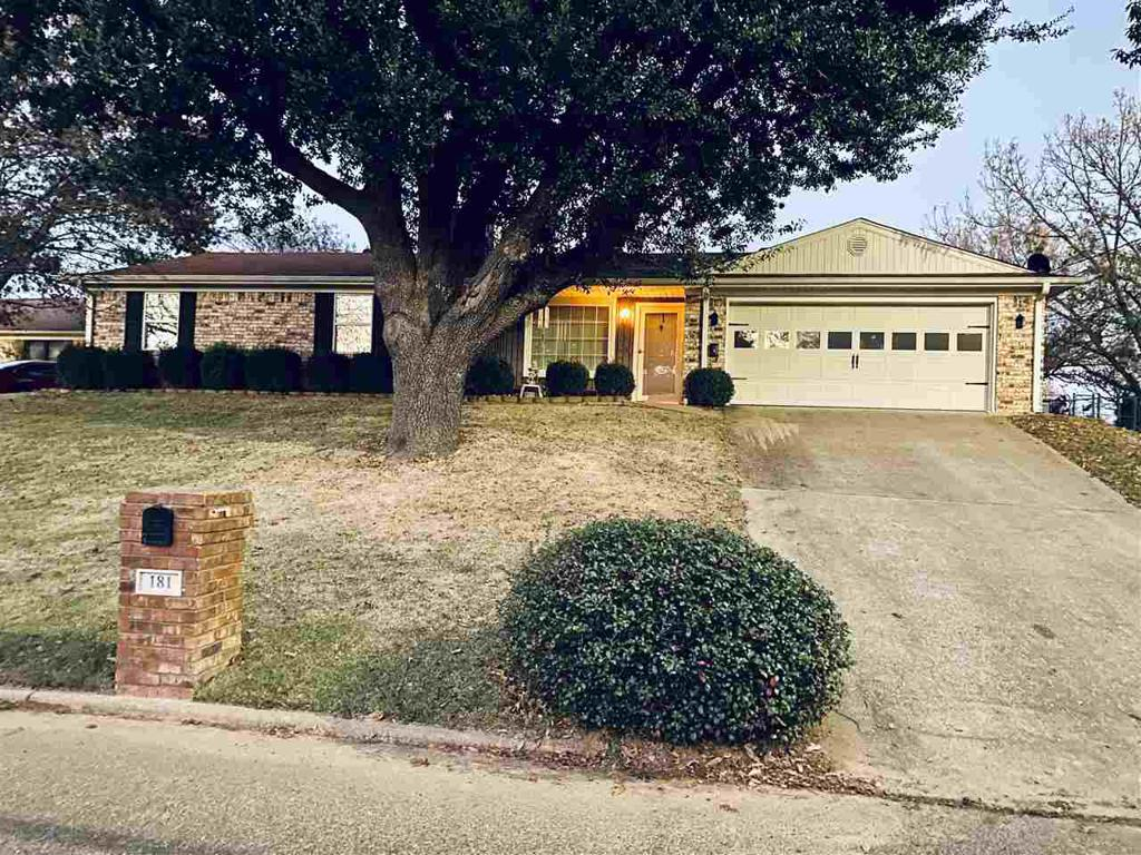 Photo of home for sale at 181 Shoreview, Longview TX