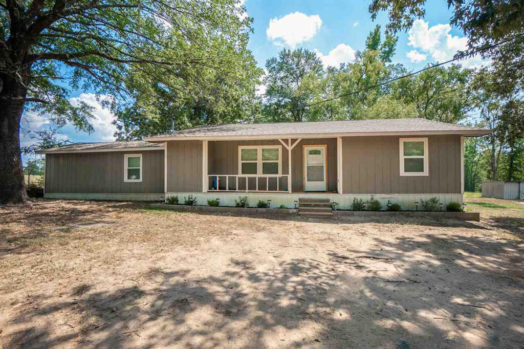 Photo of home for sale at 12550 Spider Lily Rd, Diana TX