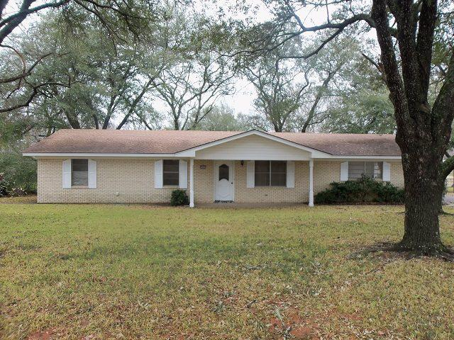 Photo of home for sale at 289 DALE DRIVE, Kilgore TX