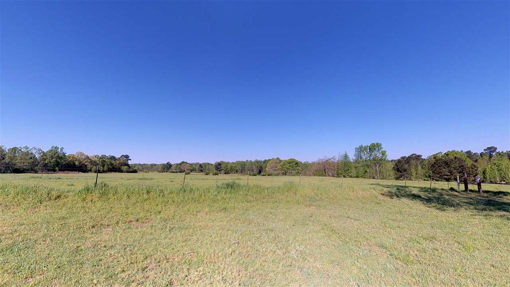 Photo of home for sale at 3916 Kings Hwy, Texarkana TX