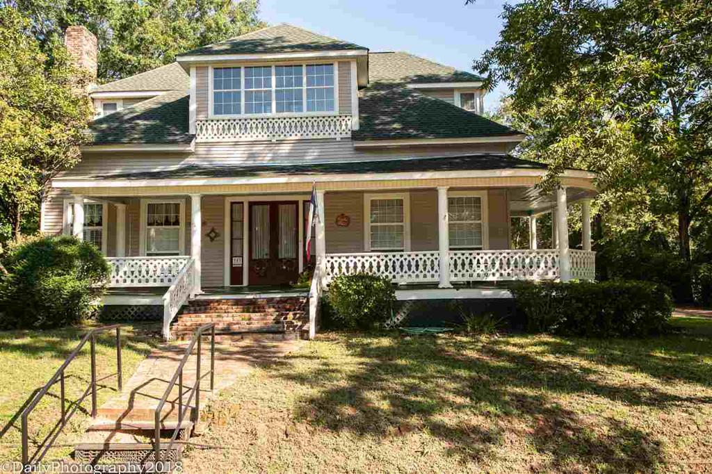 Photo of home for sale at 703 Delta, Jefferson TX