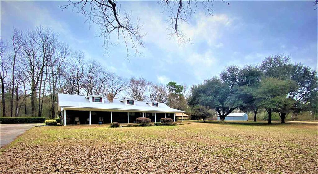 Photo of home for sale at 129 PR 7028, Jefferson TX