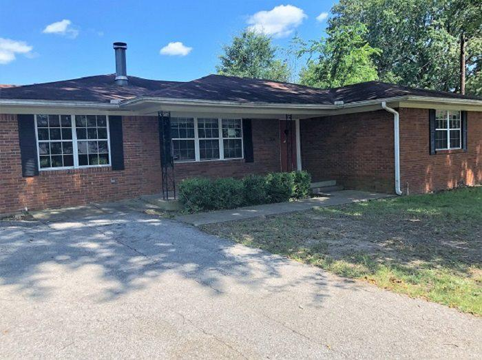 Photo of home for sale at 704 Enfield Dr, Marshall TX
