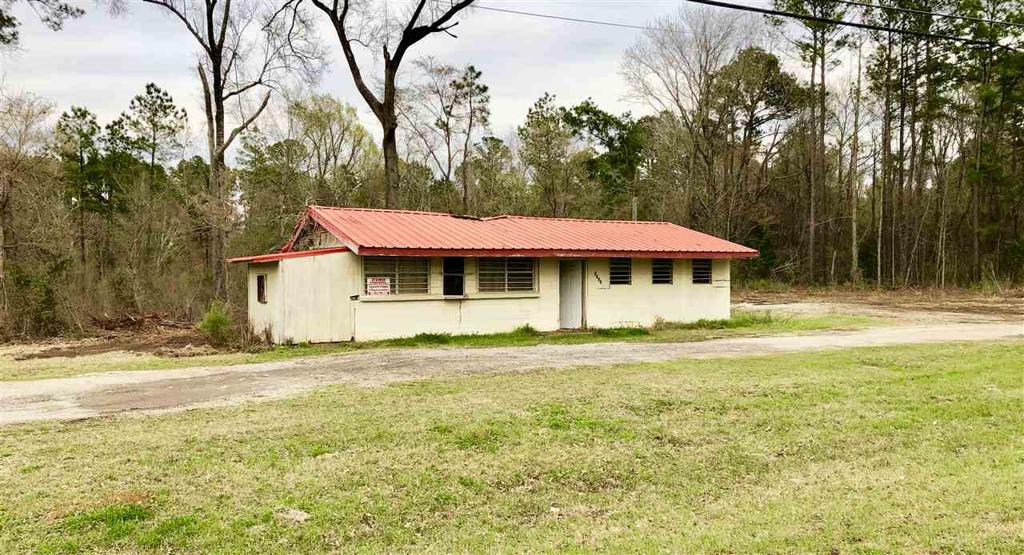 Photo of home for sale at 5202 SH 149, Longview TX