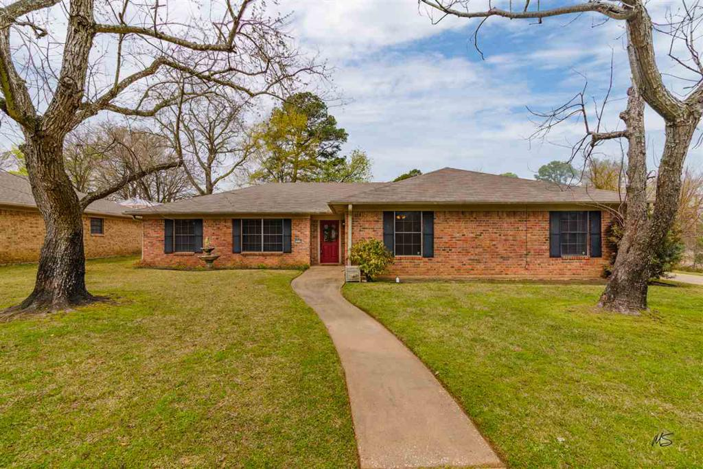 Photo of home for sale at 3717 Teri Lynn Dr, Longview TX