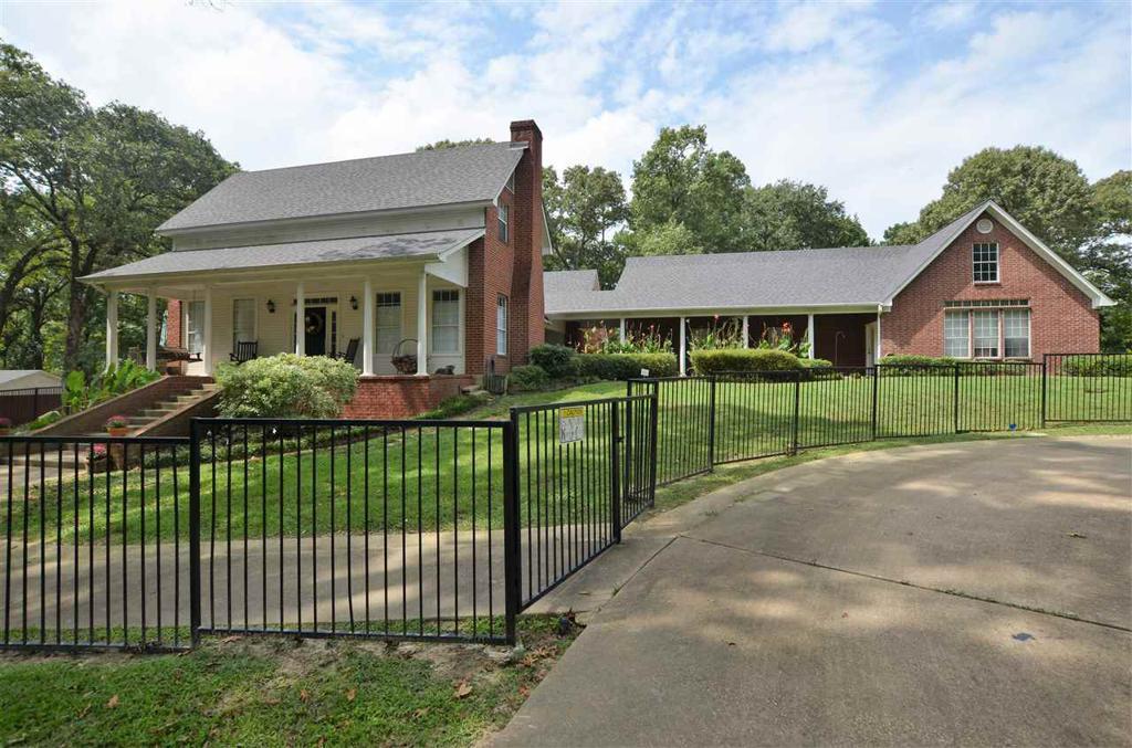 Photo of home for sale at 4644 Mt Pisgah, Kilgore TX