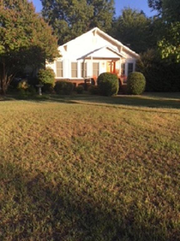 Photo of home for sale at 1508 ALPINE ROAD, Longview TX