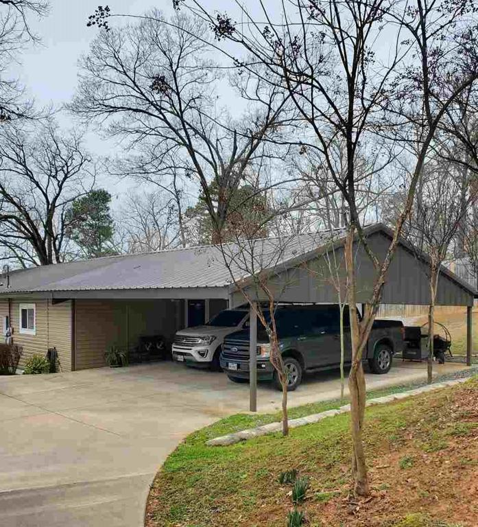 Photo of home for sale at 3033 Lake Dr., Gladewater TX