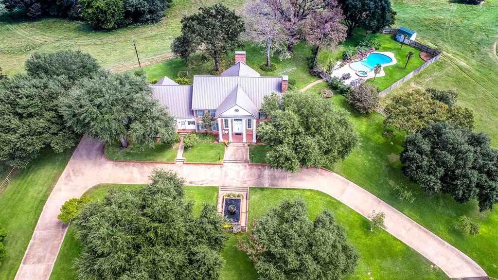 Photo of home for sale at 22519 FM 1716E, Tatum TX