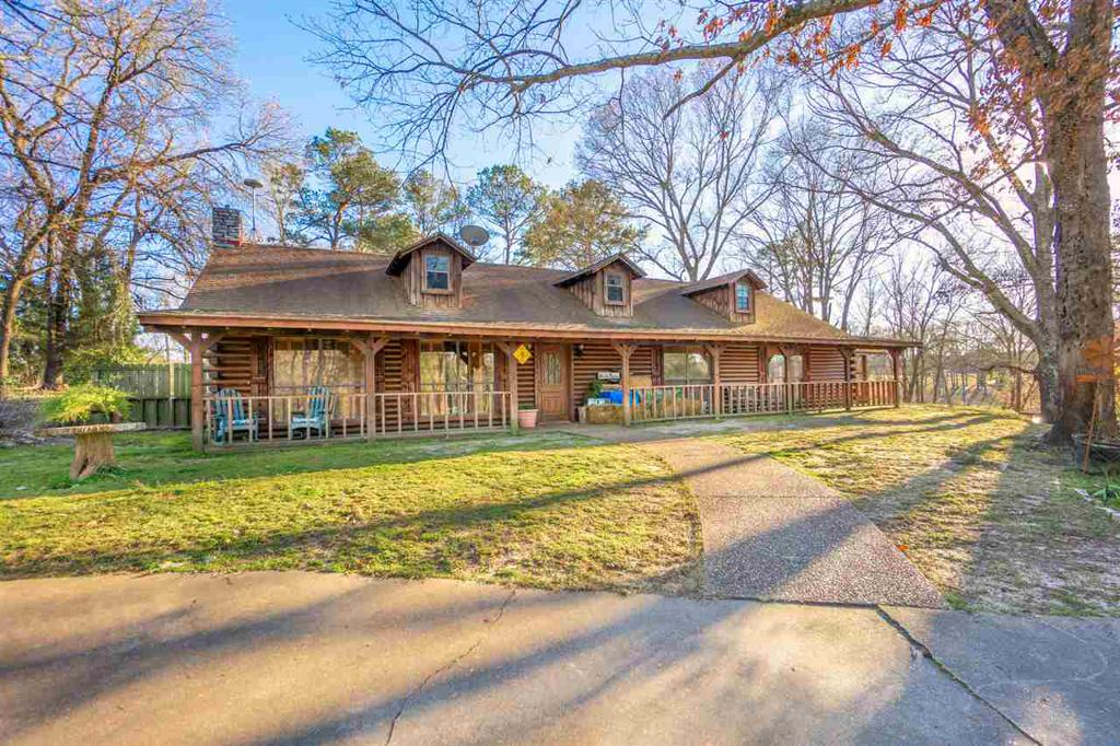 Photo of home for sale at 2128 Hamby Rd, Longview TX