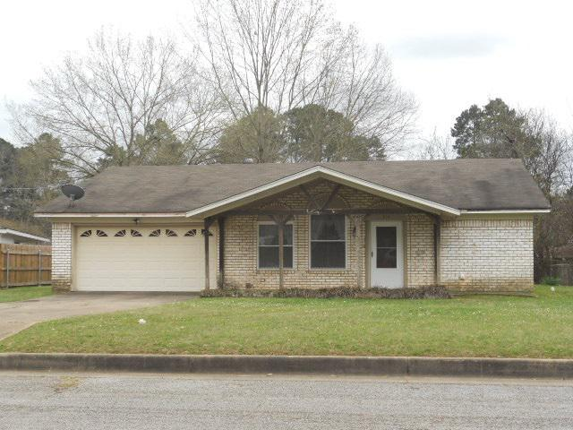 Photo of home for sale at 304 Lancer St, Longview TX