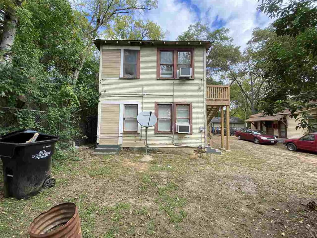 Photo of home for sale at 443-445 Main Street unit 4, Longview TX