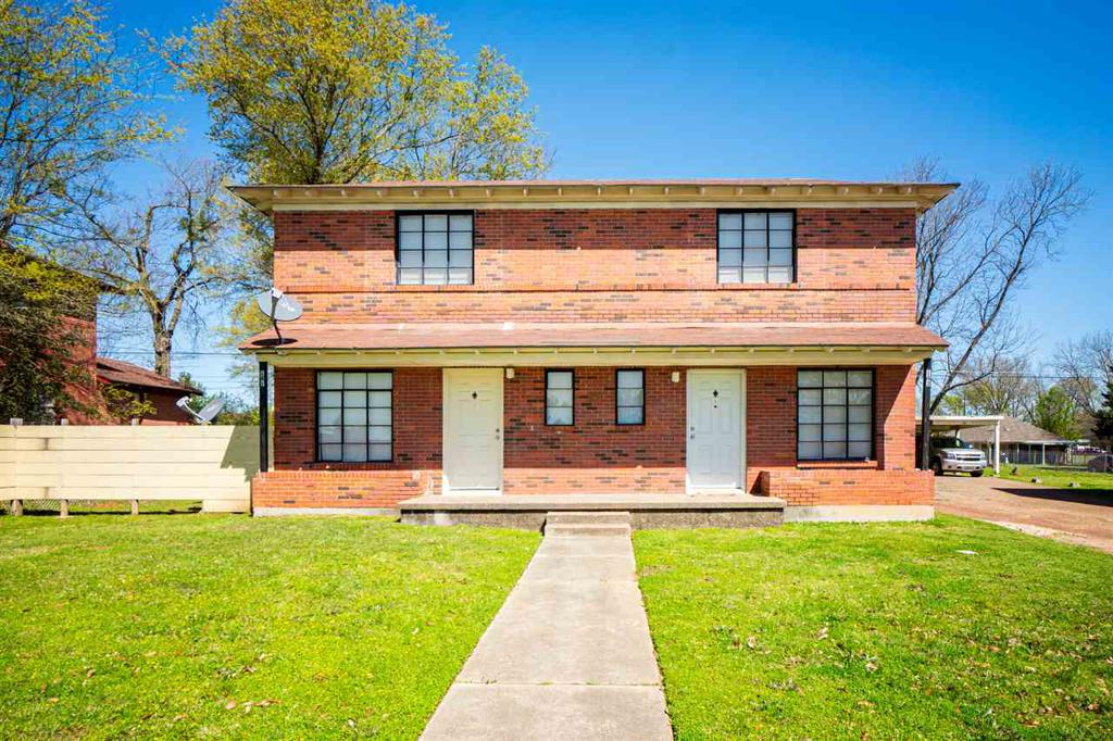 Photo of home for sale at 141-143 Hubbard, Longview TX