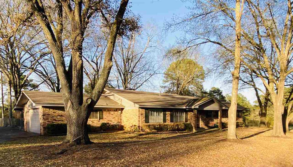 Photo of home for sale at 501 WHITE RD, Longview TX