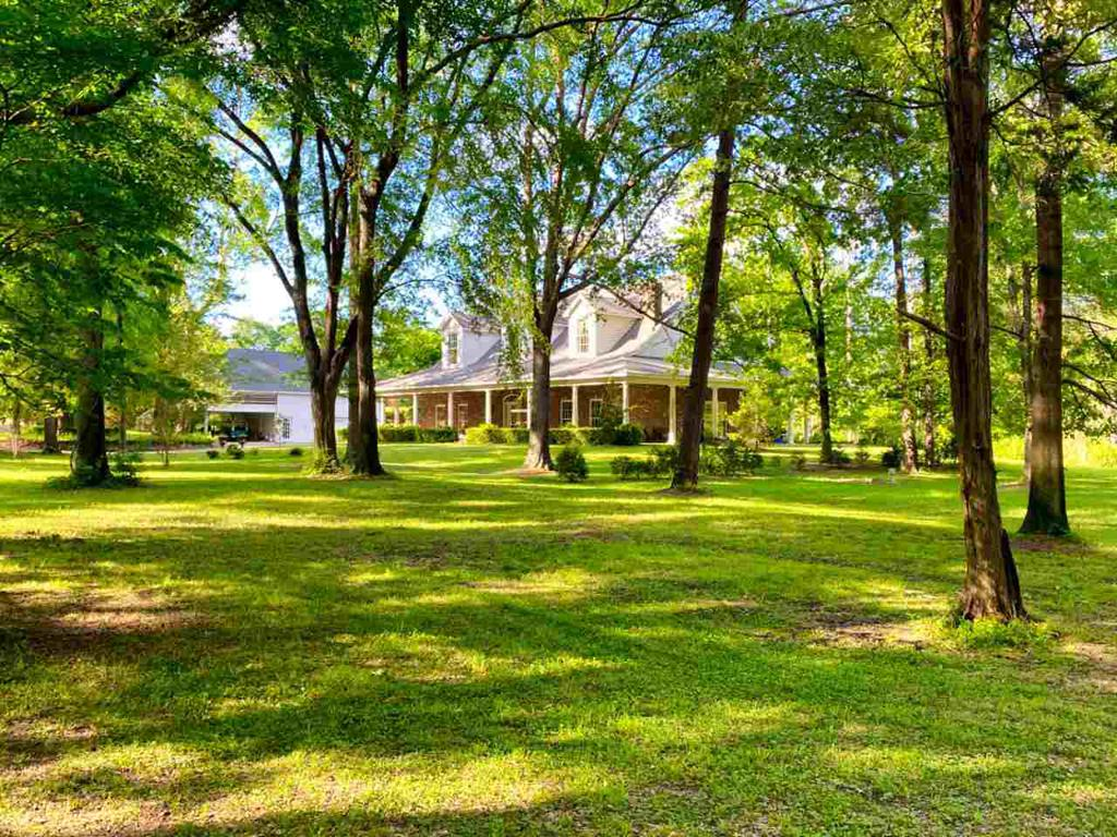 Photo of home for sale at 521 Houston Street, Jefferson TX