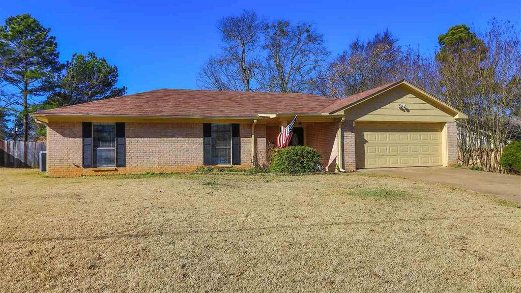 Photo of home for sale at 3717 Kriss Dr, Longview TX