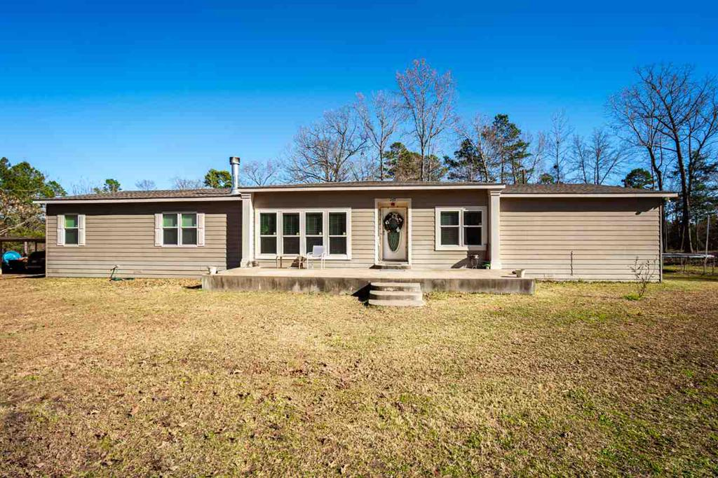 Photo of home for sale at 616 Jamerson Rd, Longview TX