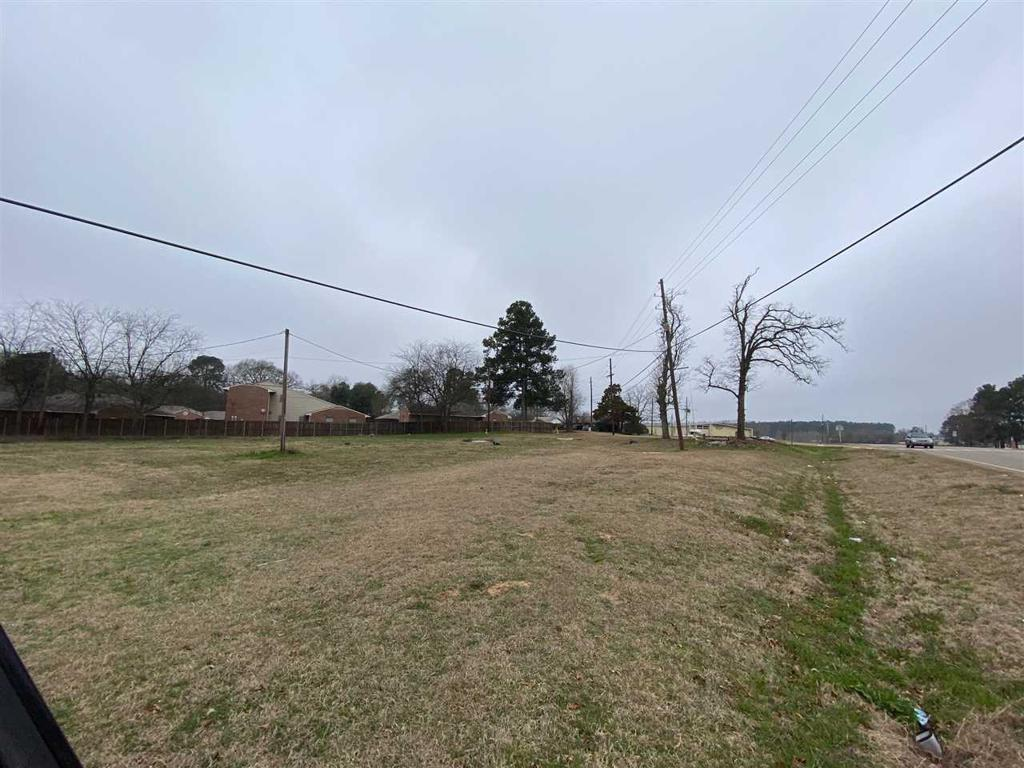 Photo of home for sale at 314 Broach St, Pittsburg TX