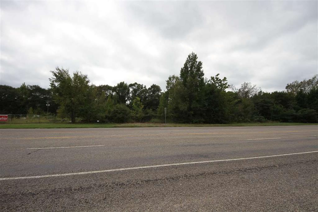 Photo of home for sale at 800 (approx) Broad St (Hwy 80), Mineola TX