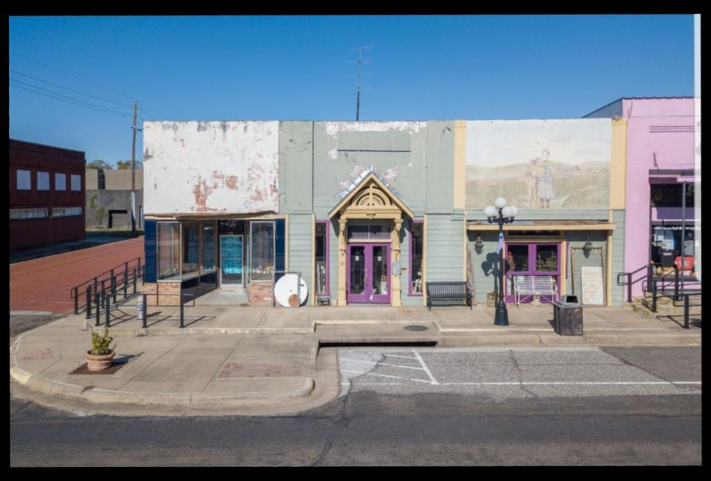 Photo of home for sale at 124 Main St, Gladewater TX