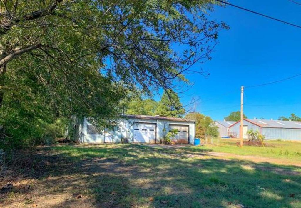 Photo of home for sale at 204 2ND Street, Queen City TX