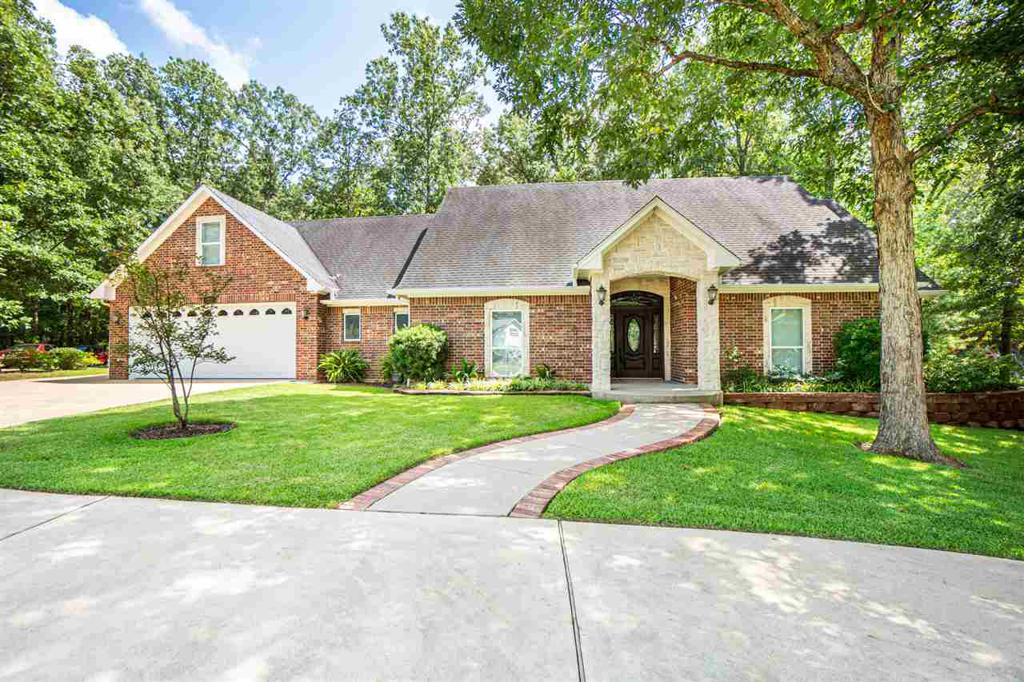 Photo of home for sale at 351 King Ranch Rd, Kilgore TX