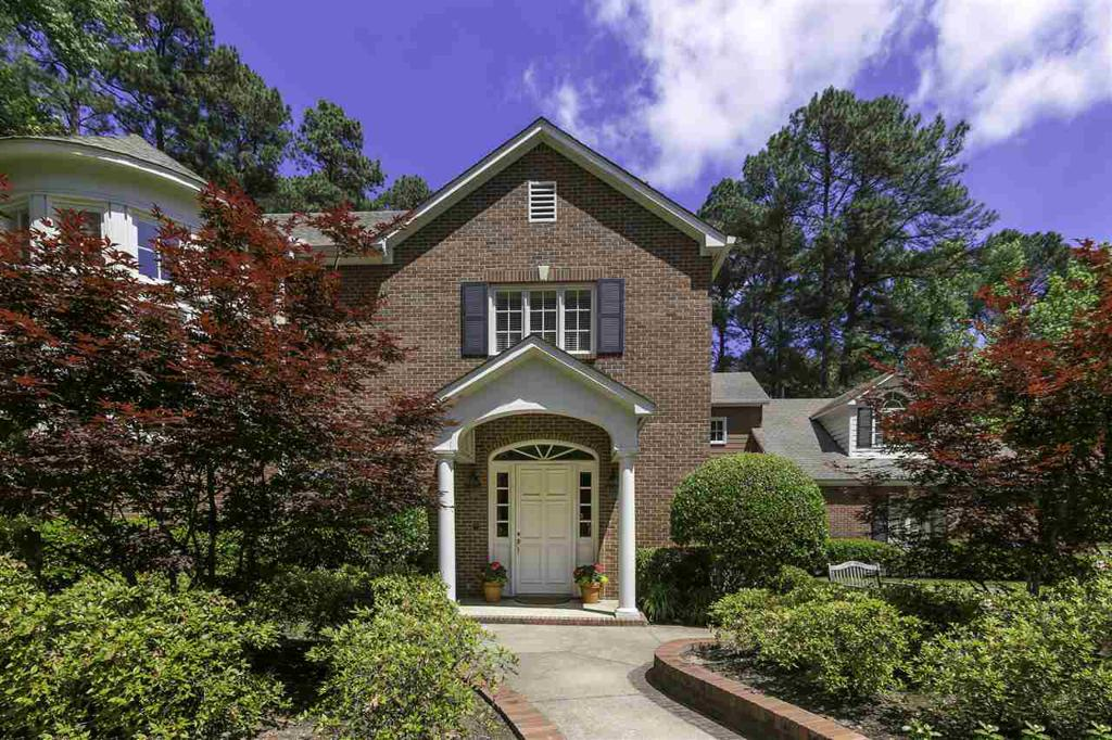 Photo of home for sale at 7 Spring Creek PL, Longview TX