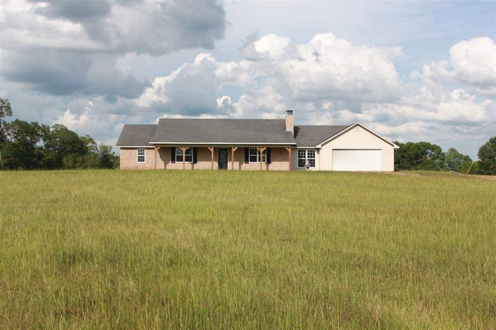 Photo of home for sale at 10533 HWY 59 S, Marshall TX