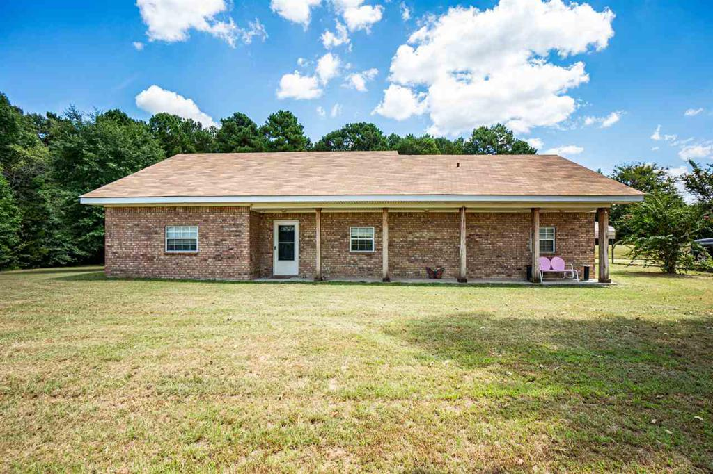 Photo of home for sale at 8450 Coyote Road, Gilmer TX