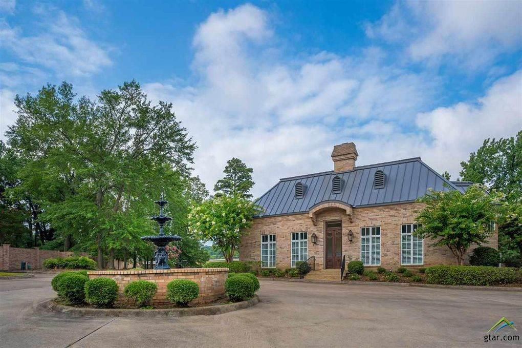 Photo of home for sale at 1000 Yates, Longview TX