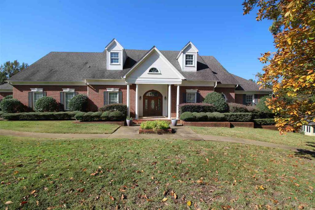 Photo of home for sale at 101 DEER RUN, Longview TX