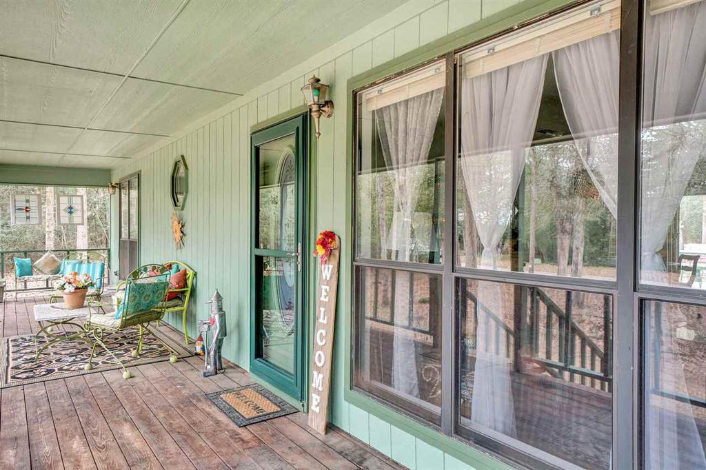 Photo of home for sale at 1931 VALLEYWOOD TRAIL, Holly Lake Ranch TX