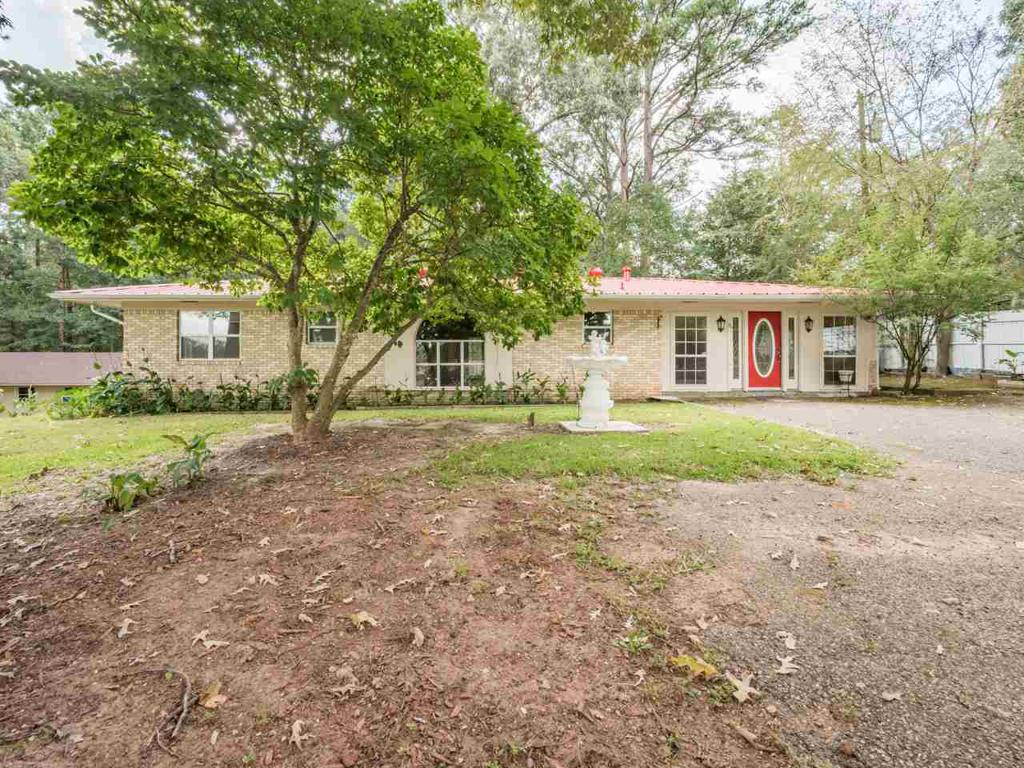 Photo of home for sale at 14038 SH 64 E, Tyler TX