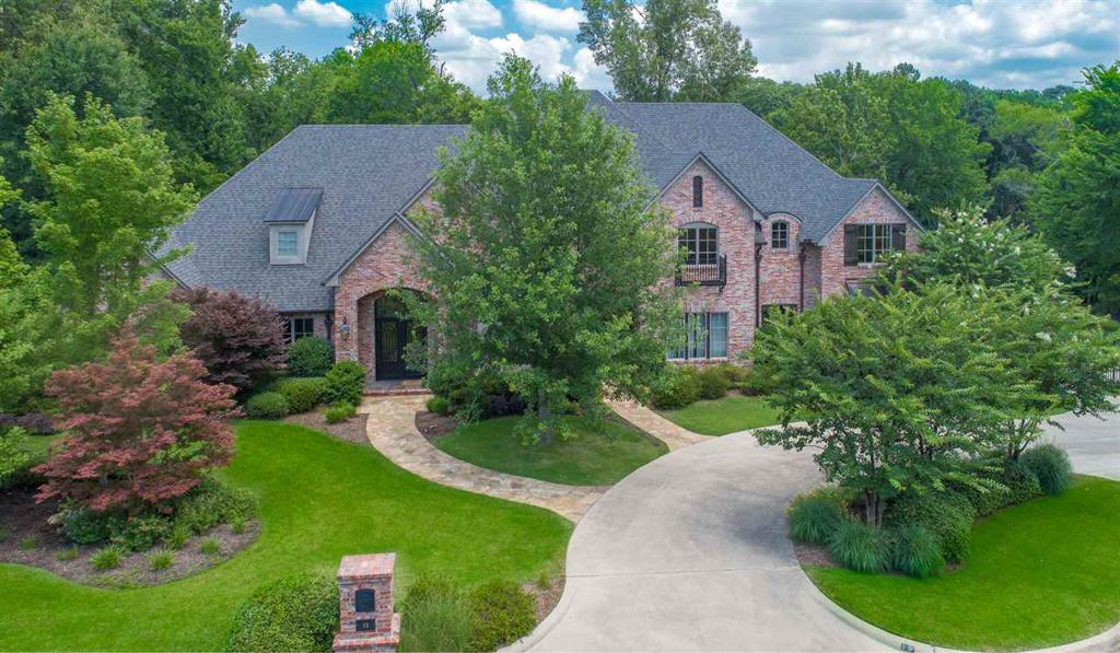 Photo of home for sale at 13 SPRING CREEK PLACE, Longview TX