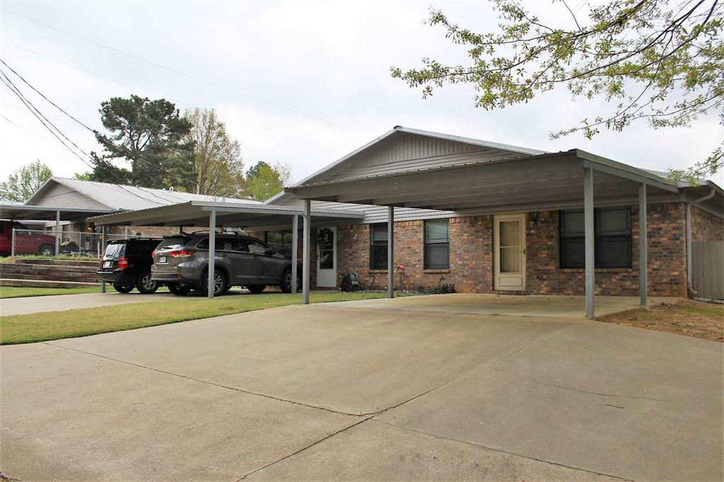 Photo of home for sale at 799 Houston St, Queen City TX