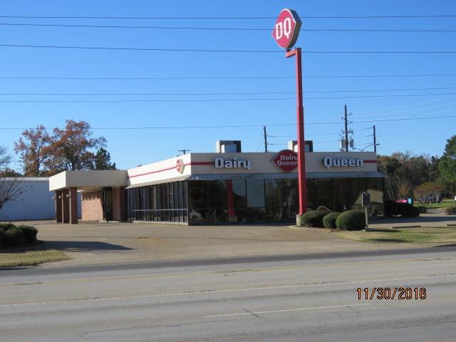 Photo of home for sale at 100 HWY 80, White Oak TX