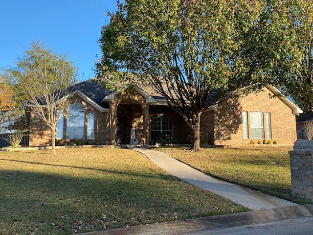 Photo of home for sale at 143 Arizona Ave, Wake Village TX